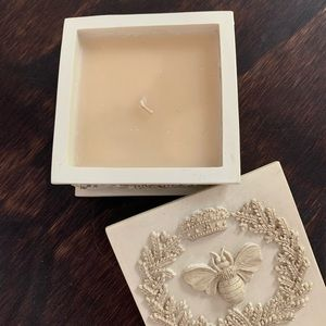 Shabby Chic Queen Bee Box Candle
